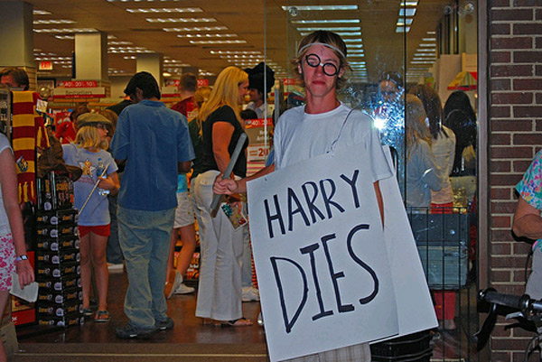 2007_07_harrydies.jpg