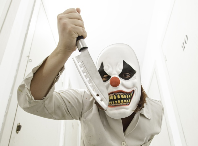 Knife-carrying clown terrorizes people on subway, chases teen
