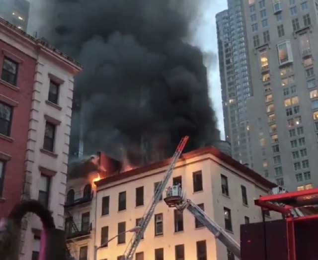 Fire Blazing in 5-Story Building Fills Lower Manhattan With Smoke
