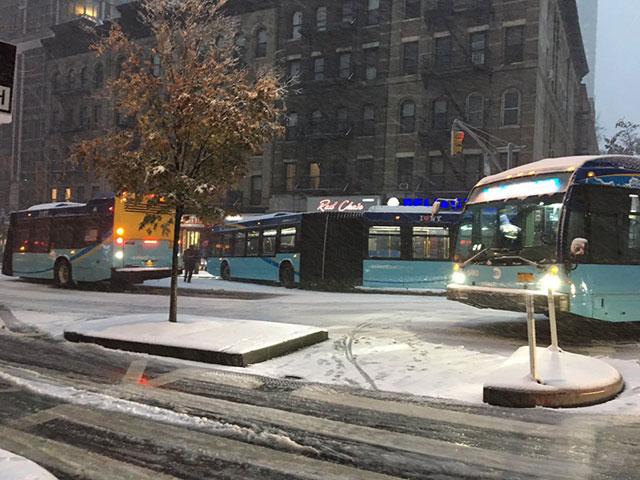 2018_11_stuckbuses1.jpg
