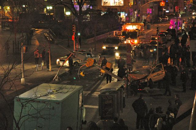 UPDATE] Taxi Rage: Passenger Steals Cab, Crashes In Union Square ...