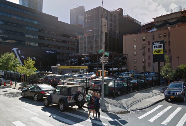 Man stabbed in midtown, suspect turns himself in, NYPD says