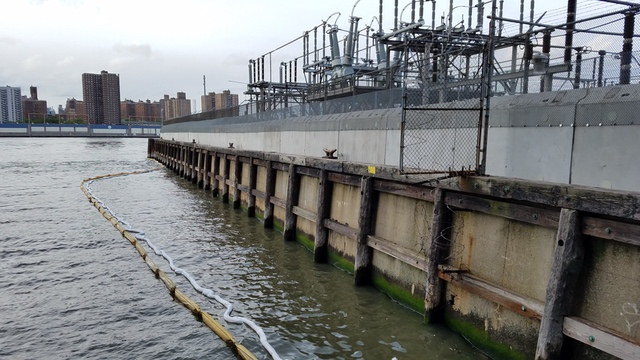 Electrical Station Spills Oil into East River