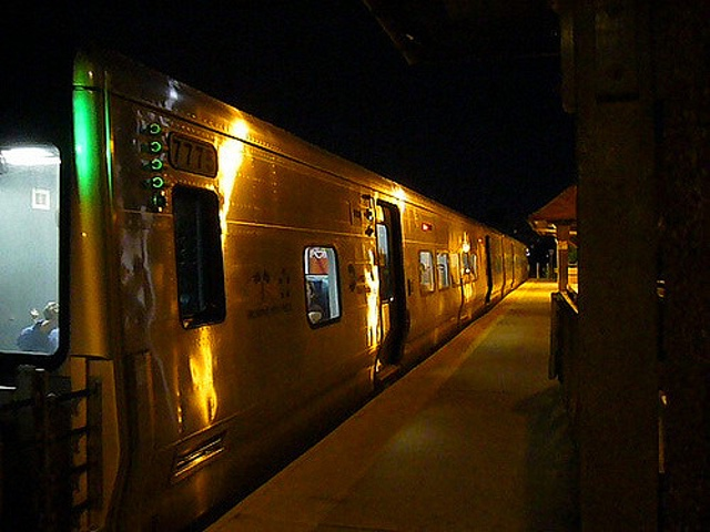MTA: LIRR train stuck underground due to power issue