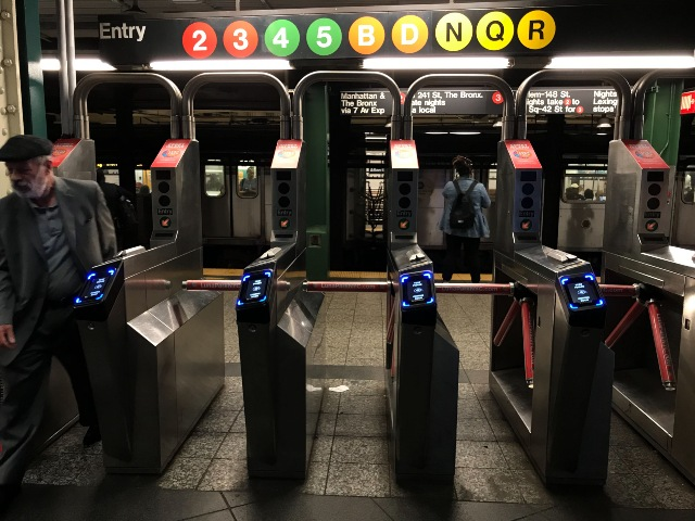 New Yorkers can now use their Fitbit to travel with the MTA