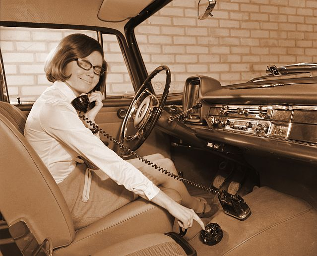 102109mobilephone1969.jpg