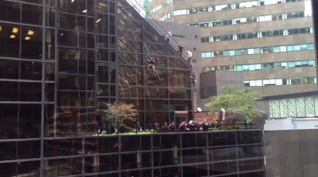 Man apprehended by police after climbing Trump Tower